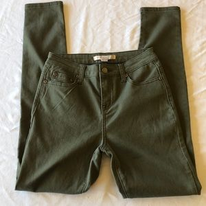 Forever 21 Contemporary Olive Skinny Jeans EUC